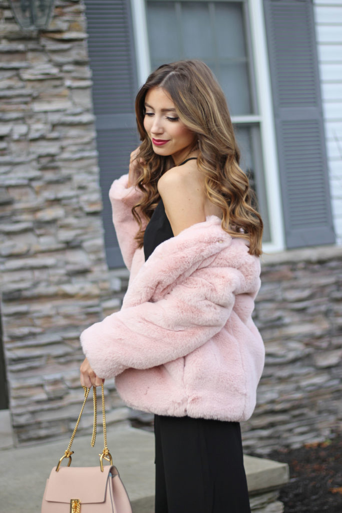 pink-faux-fur-gap-jacket-holiday-what-to-wear